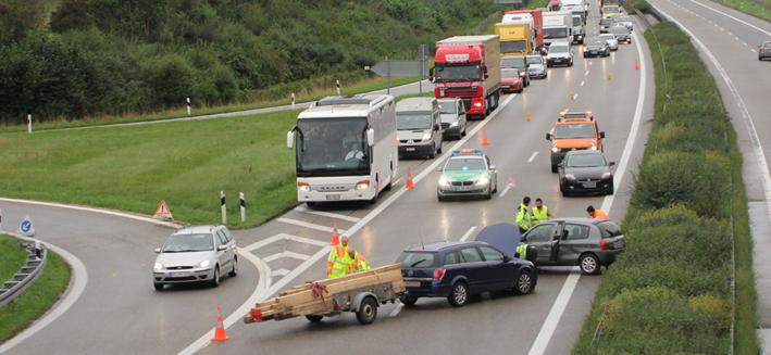 16-09-2013 bab-a7 dettingen unfall navi stau autobahnpolizei-memmingen poeppel new-facts-eu20130916 titel