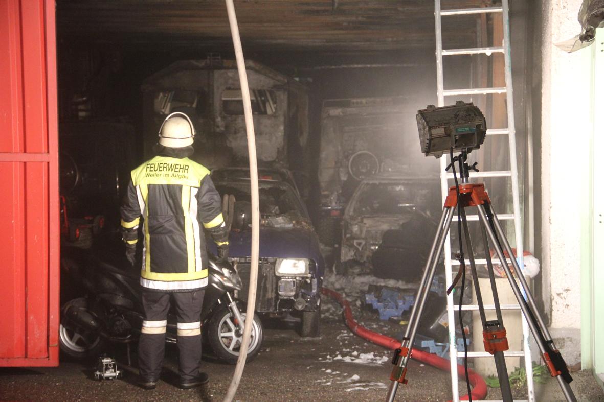 24-09-2013 lindau weiler-simmerberg bremenried brand werkstatt poeppel new-facts-eu20130924 0022