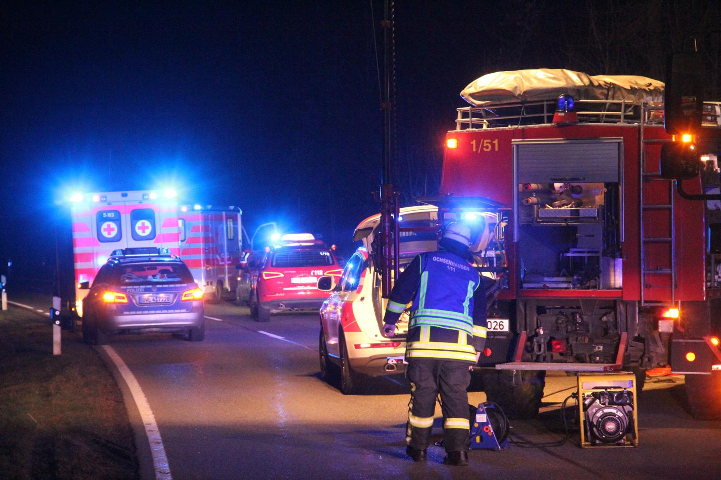 23-03-2013 ochsenhausen rottum k7574 unfall feuerwehr-ochsnehausen technische-hilfeleistung pkw pöppel new-facts-eu20130323 0004