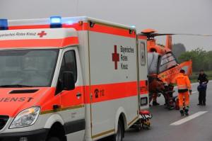 01-06-2013 bab-a7 unfall mmotorrad schwerverletzt rettungsdienst christoph-17 poeppel new-facts-eu20130601 0017