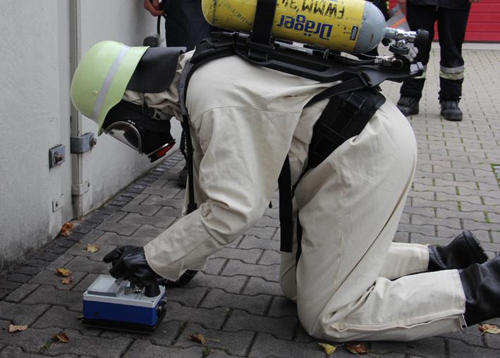 08-10-2013 memmingen sfsg standortausbildung-strahlenschutz feuerwehr-memmingen poeppel new-facts-eu20131008 titel