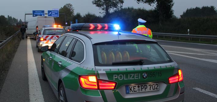 09-10-2013 bab-a96 memmingen-nord unfall verletzt transporter new-facts-eu20131009 titel