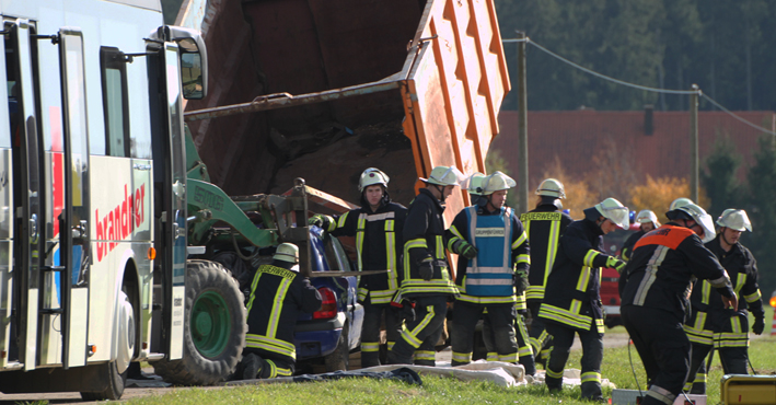 26-10-2013 unterallgäu ottobeuren haitzen übung grossunfall poeppel new-facts-eu20131026 titel