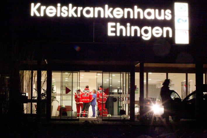 13-11-2013 ulm ehingen brand evakuierung feuerwehr zwiebler new-facts-eu20131113 titel