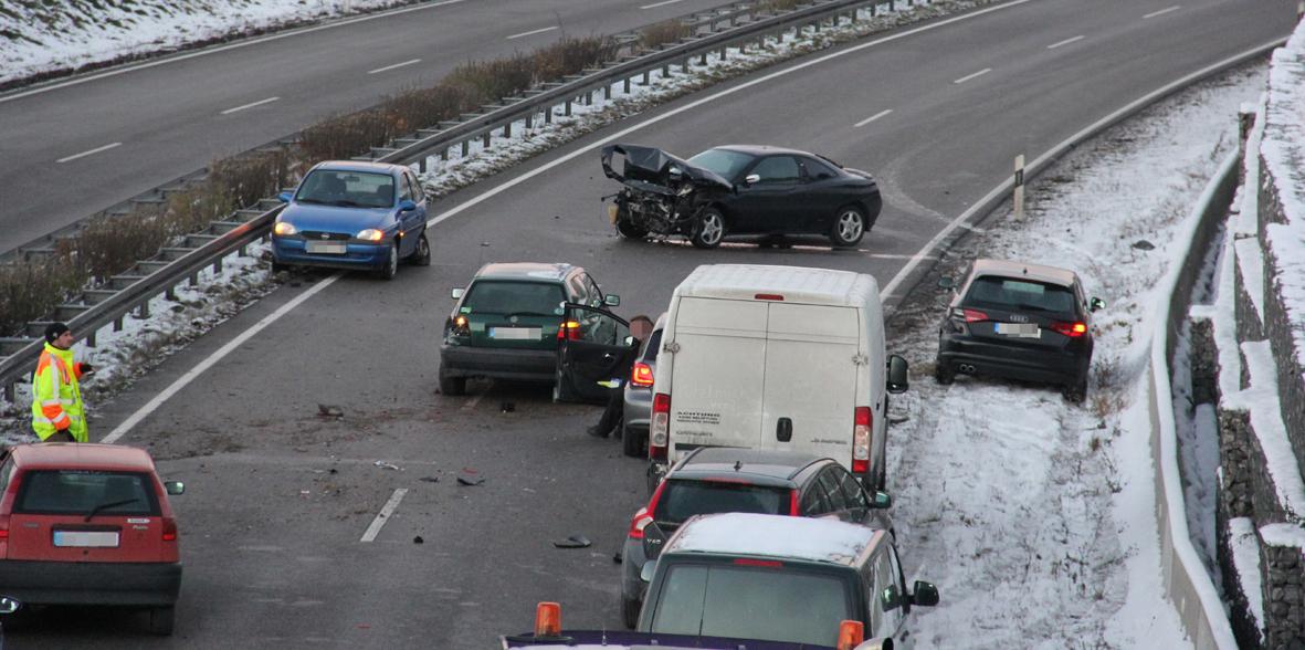27-11-2013 b19-waltenhofen unfall vollsperrung verletzte poeppel new-facts-eu20131127 titel