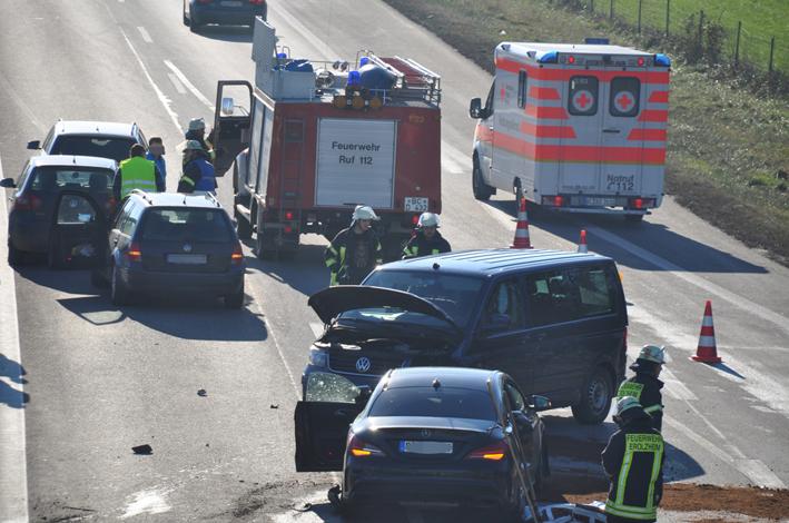 01-12-2013 bab-a7 berkheim heimertingen unfall feuerwehr-erolzheim groll new-facts-eu20131201 titel