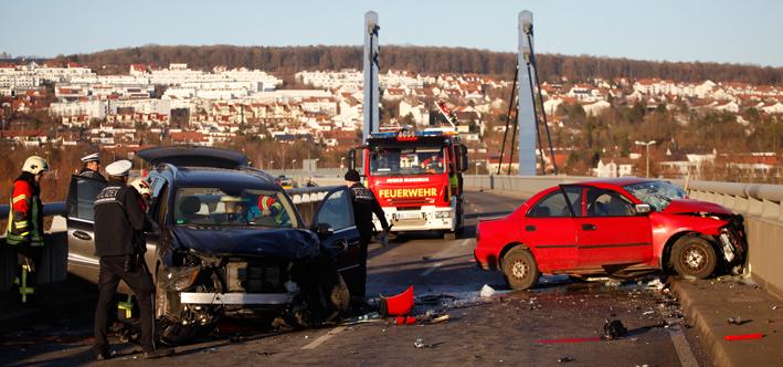 10-12-2013 ulm tödlicher-unfall frontalzusammenstoss zwiebler new-facts-eu20131128 titel
