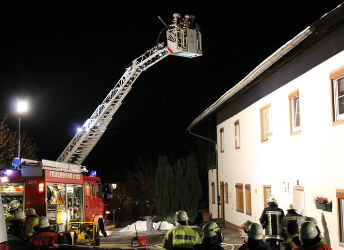10-12-2013 oberallgäu immenstadt eckarts brand feuerwehr-immenstadt benli new-facts-eu20131210 titel