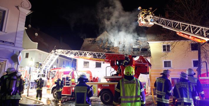 28-12-2013 gunzburg ichenhausen brand Haus feuerwehr zwiebler new-facts-eu20131128 titel