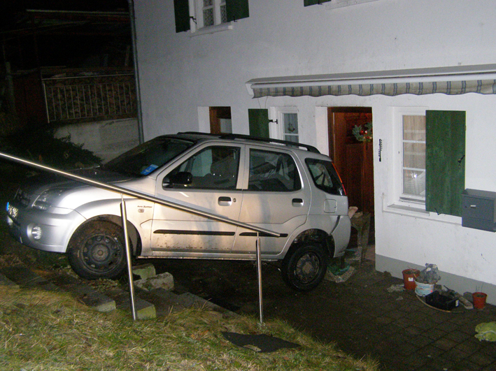 09-01-2014 oberallgau altusried unfall glatte brunnen polizei-pressefoto