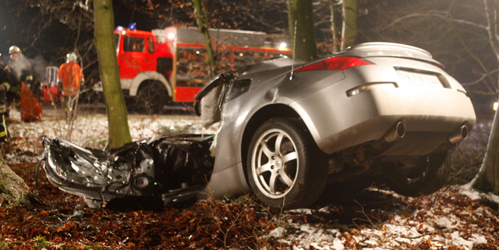25-01-2014 adk weidenstetten toedlicher-unfall sportwagen wald zwiebler new-facts-eu20131128 titel