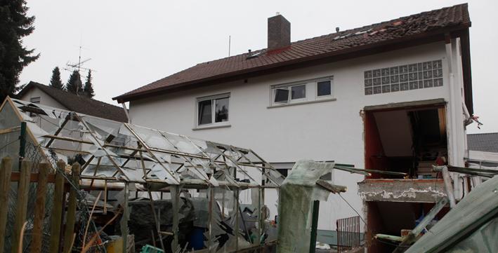 30-01-2014 biberach hochdorf explosion gasflasche wohnhaus feuerwehr zwiebler new-facts-eu20131128 titel