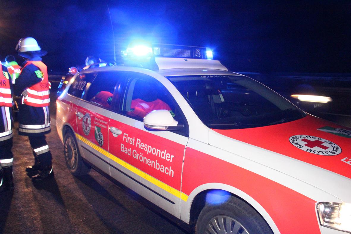 04-01-2014 bab-a7-gronenbach unfall uberschlag feuerwehr first-responder poeppel new-facts-eu20140104 0014