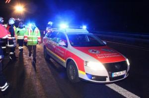 04-01-2014 bab-a7-gronenbach unfall uberschlag feuerwehr first-responder poeppel new-facts-eu20140104 0022