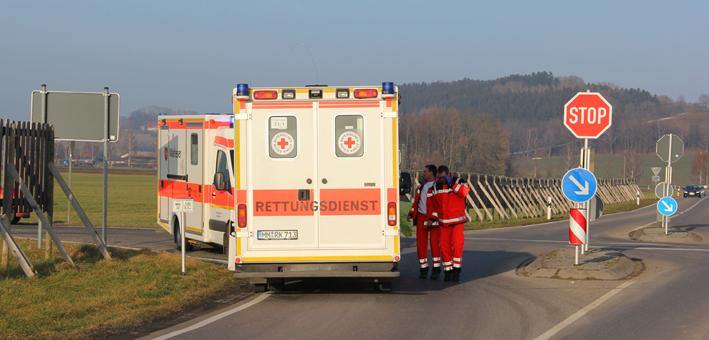 31-01-2014 unterallgau erkheim frickenhausen unfall stop-stelle verletzte poeppel new-facts-eu20140131 titel