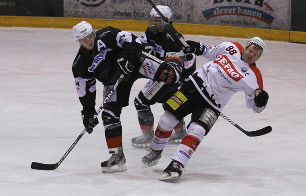 02-02-2014 eishockey bayernliga-indians ecdc-memmingen esc-hassfurt fuchs new-facts-eu20140202 titel