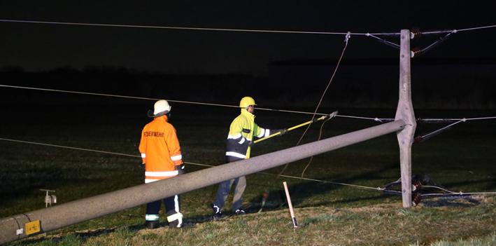 11-03-2014 biberach berkheim hochspannungsleltung trakor sperrung stromausfall poeppel new-facts-eu20140311 titel
