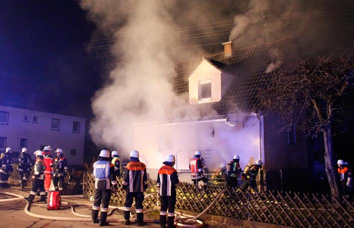13-03-2014 neu-ulm illertissen betlinshausen brand toter feuerwehr wis new-facts-eu20140313 titel
