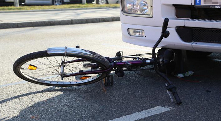 13-03-2014 memmingen lkw-radfahrer toedlich polizei poeppel new-facts-eu20140313 titel