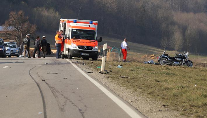 14-03-2014 ostallgau lauchdorf motorrad-unfall pkw schwerstverletzt poeppel new-facts-eu20140314 titel