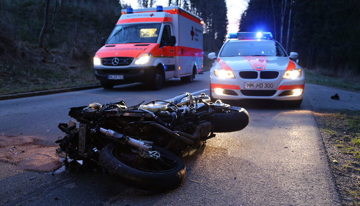 19-03-2014 unterallgaeu boehen motorrad-unfall pkw-schwer groll new-facts-eu20140319 titel