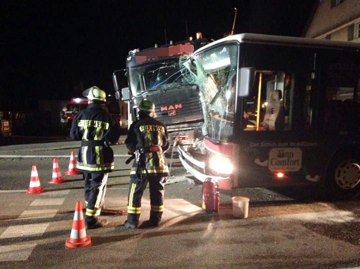 21-03-2014 lindau opfenbach mellatz pkw bus unfall raedler new-facts-eu