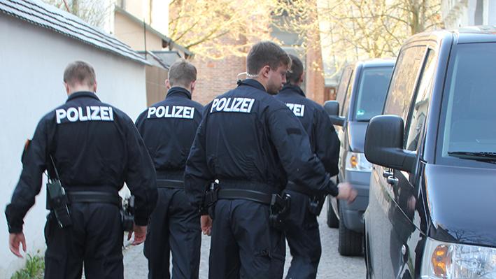 02-04-2014 memmingen mindelheim durchsuchungs-festnahmeaktion geldautomaten polizei groll new-facts-eu20140402 titel