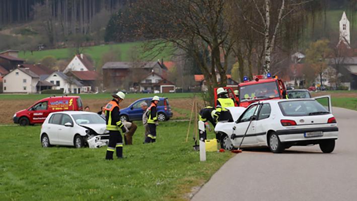 03-04-2014 ostallgaeu weinhausen beckstetten jengen unfall frontalzusammenstoss herbst new-facts-eu20140403 titel