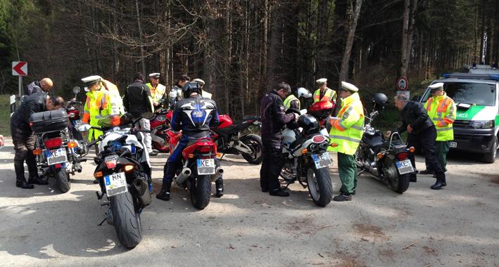 oberallgaeu immenstadt motorradkontrolle polizei pressefoto new-facts-eu