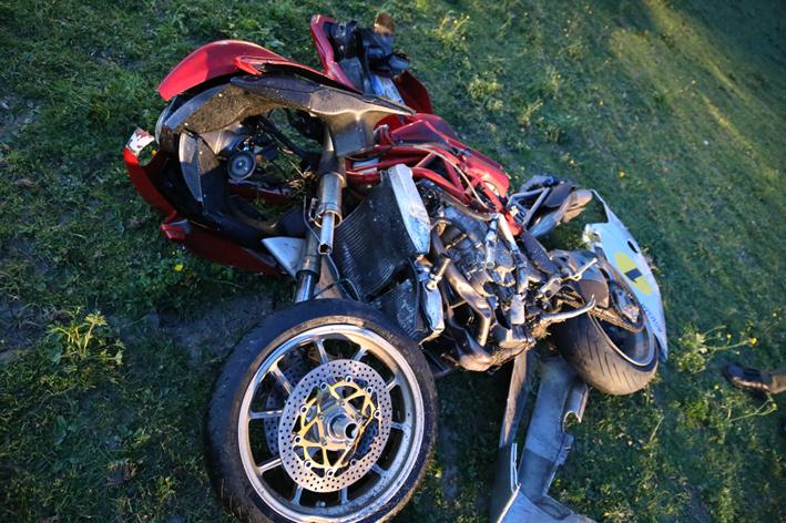 25-04-2014-b300-winterrieden-babenhausen-motorrad-unfall-groll new-facts-eu titel