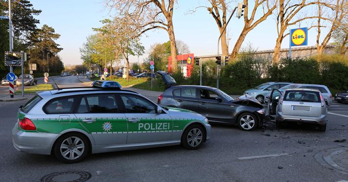 24-04-2014-ostallgaeu-kaufbeuren-unfall-verletzte-bahnhofstrasse-bringezu new-facts-eu titel