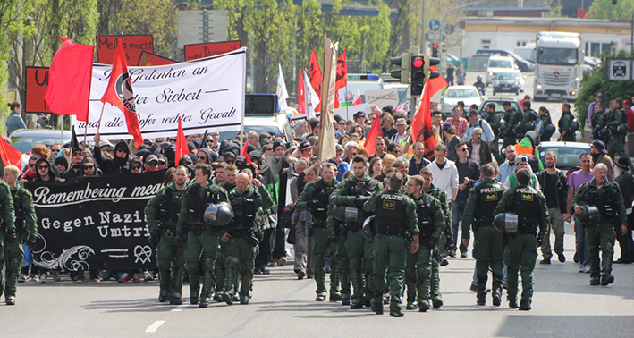 26-04-2014-memmingen-demonstration-gegen-nazis-umtriebe-polizei-kundgebung-new-facts-eu titel