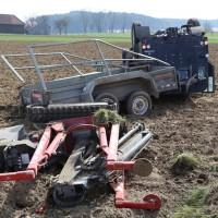 01-04-2014_unterallgaeu_bad-groenenbach_unfall_ueberschlag_first-responder_feuerwehr_poeppel_groll_new-facts-eu20140401_0010