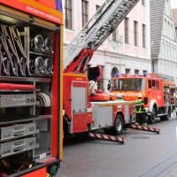 02-01-2014_memmingen_rauchentwicklung_altstadt_einlass_feuerwehr_poeppel_new-facts-eu20140102_0010