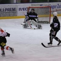 02-02-2014_eishockey_bayernliga-indians_ecdc-memmingen_esc-hassfurt_fuchs_new-facts-eu20140202_0022