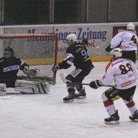 02-02-2014_eishockey_bayernliga-indians_ecdc-memmingen_esc-hassfurt_fuchs_new-facts-eu20140202_0084