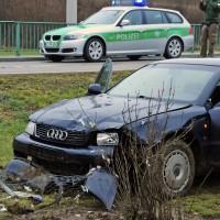 02-02-2014_guenzburg_hairenbuch_unfall_vorfahrt_45-km-h-pkw-foto-weiss_new-facts-eu20140202_0002