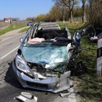 02-04-2014_lindau_oberreitnau_lkw_pkw_wohnwagen_unfall_schwerverletzte_groll_new-facts-eu20140402_0017