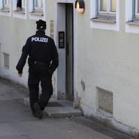 02-04-2014_memmingen_mindelheim_durchsuchungs-festnahmeaktion_geldautomaten_polizei_groll_new-facts-eu20140402_0005