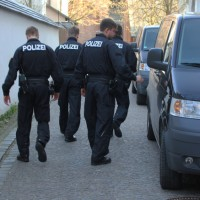 02-04-2014_memmingen_mindelheim_durchsuchungs-festnahmeaktion_geldautomaten_polizei_groll_new-facts-eu20140402_0013