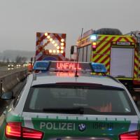 03-04-2014_bab-a96_kohlbergtunnel_erkheim_unfall_sicherungsanhänger_baustelle_new-facts-eu20140203_0002