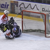 03-11-2013_memmingen_eishockey_indians_ecdc_ev-lindau_niederlage_fuchs_new-facts-eu20131103_0015