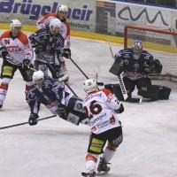 03-11-2013_memmingen_eishockey_indians_ecdc_ev-lindau_niederlage_fuchs_new-facts-eu20131103_0050