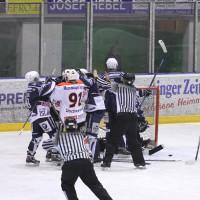 03-11-2013_memmingen_eishockey_indians_ecdc_ev-lindau_niederlage_fuchs_new-facts-eu20131103_0074
