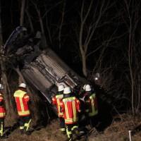 04-01-2014_bab-a7-gronenbach_unfall_uberschlag_feuerwehr_first-responder_poeppel_new-facts-eu20140104_0018