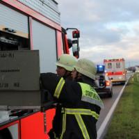 05-11-2013_memmingen_buxach_volkratshofen_unfall_frontal_feuerwehr_rettungsdienst_poeppel_new-facts-eu20131105_0011