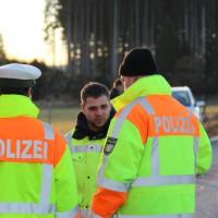 07-01-2014_b12_wilpoldsried_unfall-lkw_krankenwagen_feuerwehr_verletzte_poeppel_new-facts-eu20140107_0020