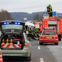 07-12-2013_bab-a96_memmingen_buxheim_unfall_feuerwehr-memmingen_poeppel_new-facts-eu20131207_0003