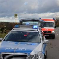 Goppertshofen - Pkw kommt von der Fahrbahn an - Fahrer eingeklemmt, verletzt