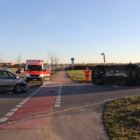 10-12-2013_memmingen_europastrasse_unfall_transporter_pkw_poeppel_new-facts-eu20131210_0002